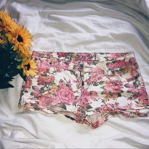 rue 21 floral shorts 💐